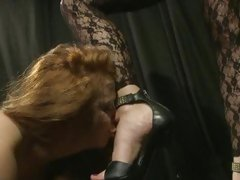 Sex-mad Katy Borman has Alice Queen suck her toes