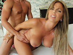 Mama with massive beautifuly shaped tits
