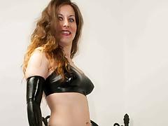 Slut in latex bonks in the flesh with lovemaking gadgetry